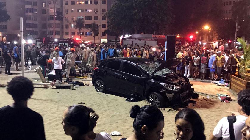 Atropelamento em Copacabana faz 15 feridos e mata um bebé