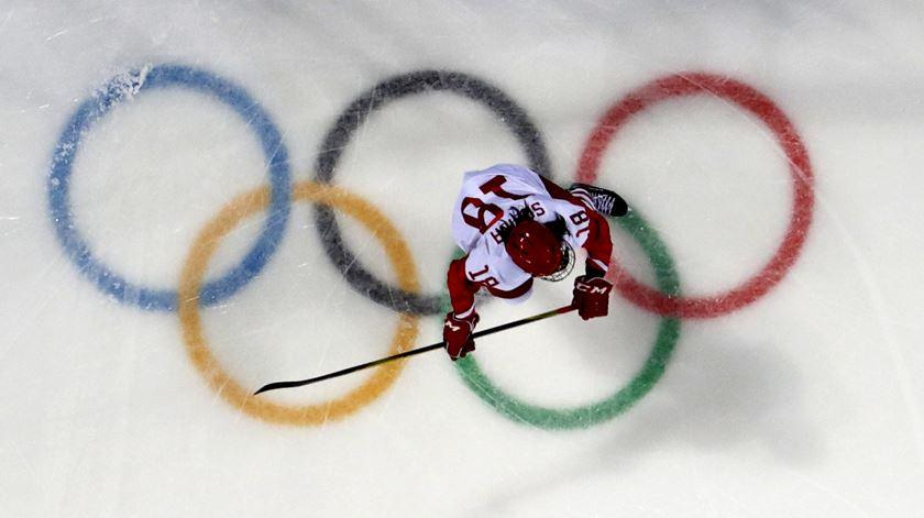 Nos Jogos OIímpicos de Inverno não há Rússia, mas há russos a ganhar medalhas