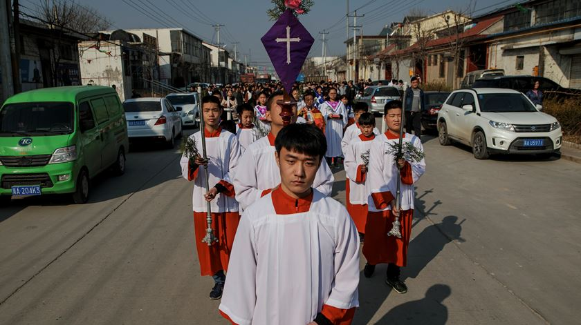 """""""Gérmen do cristianismo entra na China com o capitalismo e o comunismo"""""""