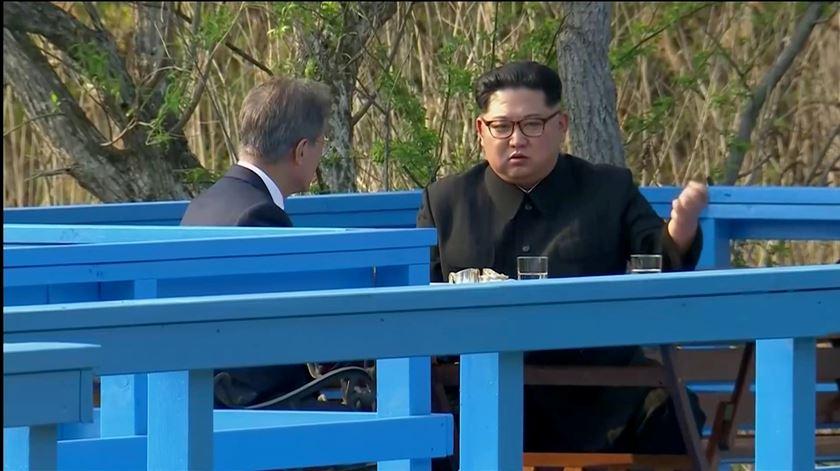 Kim Jong-un pede desculpa e relaciona morte de oficial sul-coreano com combate à Covid
