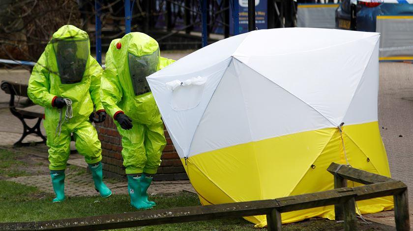 Autoridades britânicas investigam uso de Novichok no Reino Unido. Agora suspeita-se de um caso anterior na Bulgária. Foto: Peter Nicholls/EPA