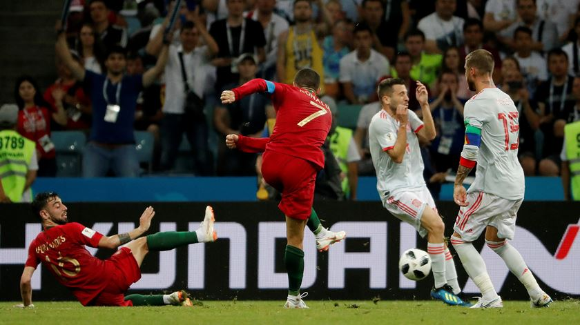 Segundo golo de Ronaldo contra Espanha