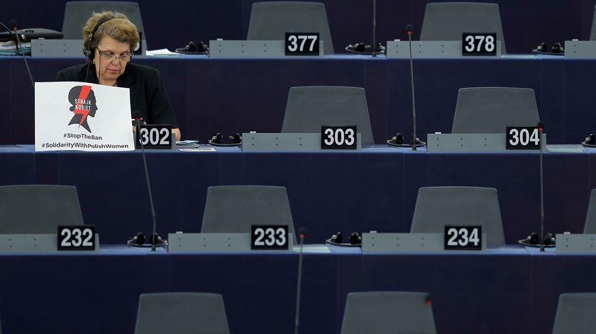 Número de eurodeputadas tem aumentado mas paridade de género ainda está longe