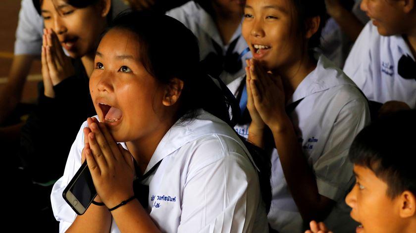 Missão cumprida. 17 dias depois, crianças tailandesas e treinador estão a salvo