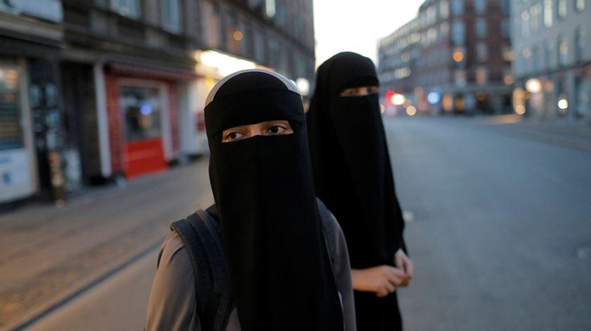 Um crime ou um direito? A partir de agosto é proibido usar niqab na Dinamarca