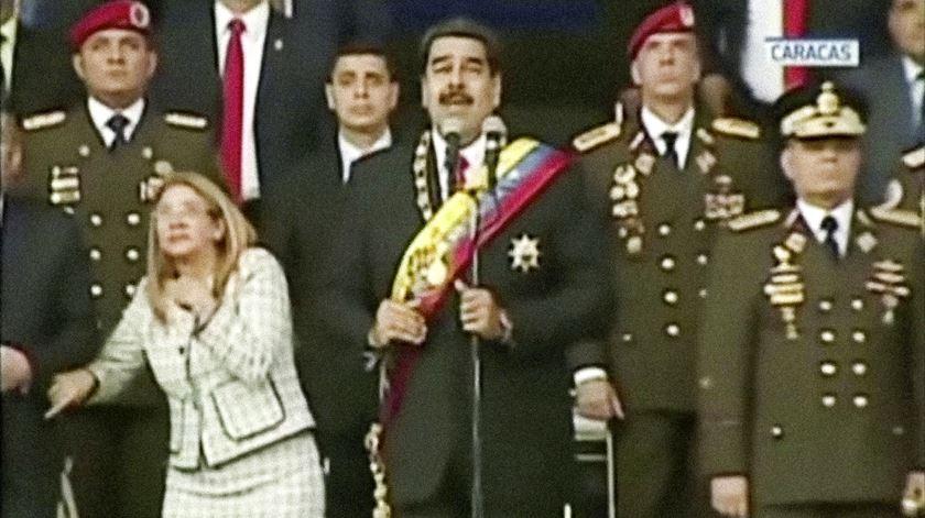 """Nicolás Maduro: """"Houve uma tentativa de assassinato contra mim"""""""