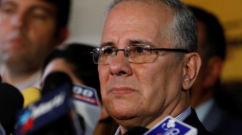 Pai de Juan Requesens garante que o filho está inocente. Foto: Adriana Loureiro/Reuters