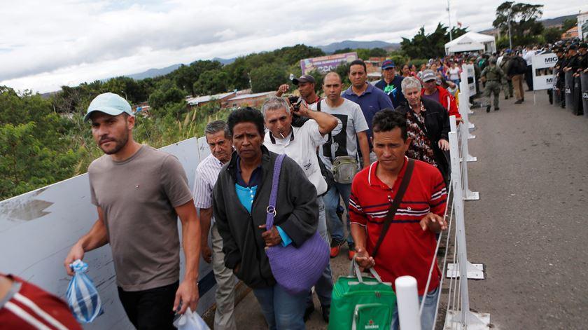 Bolsonaro abandona Pacto Global para a Migração