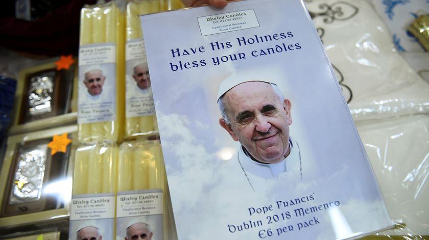 Papa visita Irlanda em momento difícil para a Igreja