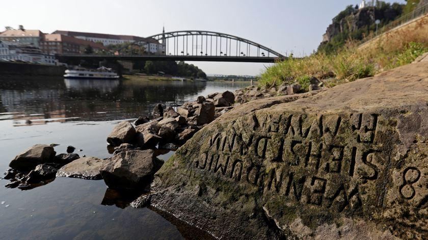 """""""Pedra da Fome"""" emerge na República Checa"""