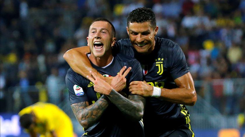 """Bernardeschi é um dos melhores """"sócios"""" de Ronaldo na Juventus. Foto: Ciro de Luca/Reuters"""