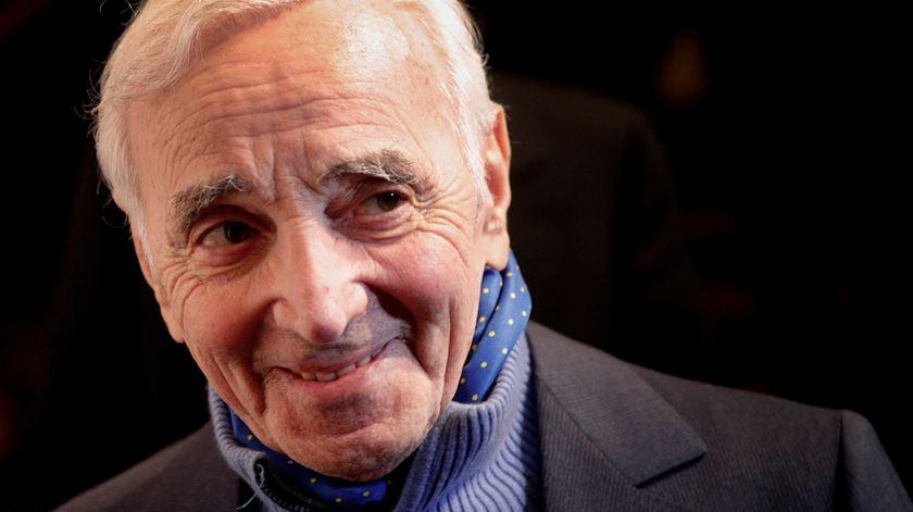 Morreu Aznavour, o Frank Sinatra francês