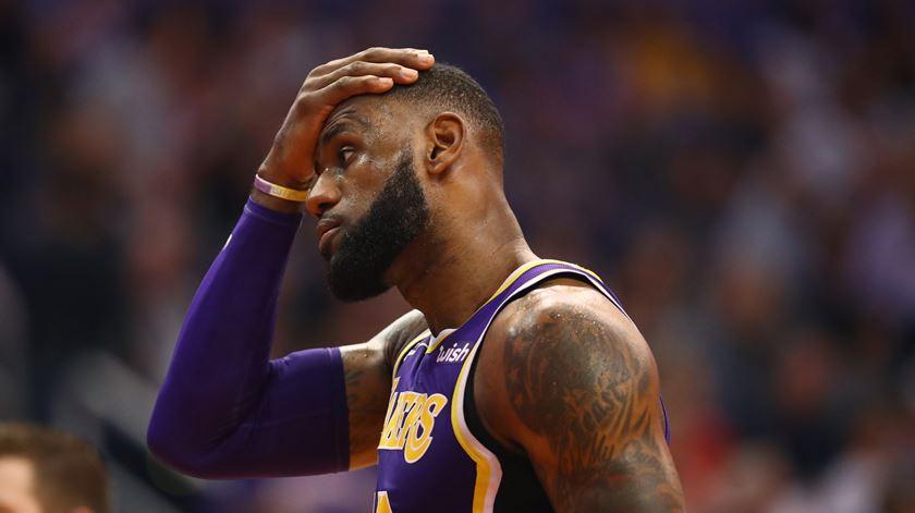 LeBron James ainda não assentou os Lakers. Foto: Mark J. Rebilas-USA TODAY Sports/Reuters