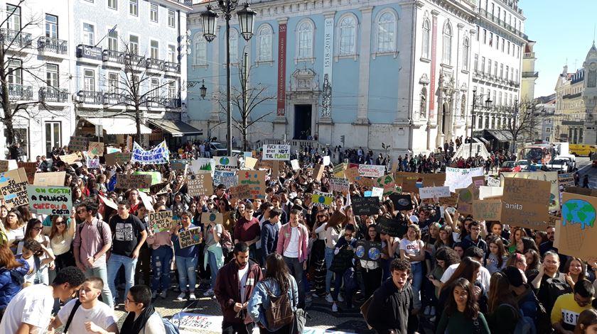 Em meados de março deu-se o primeiro protesto estudantil internacional. Foto: Manuela Pires/RR