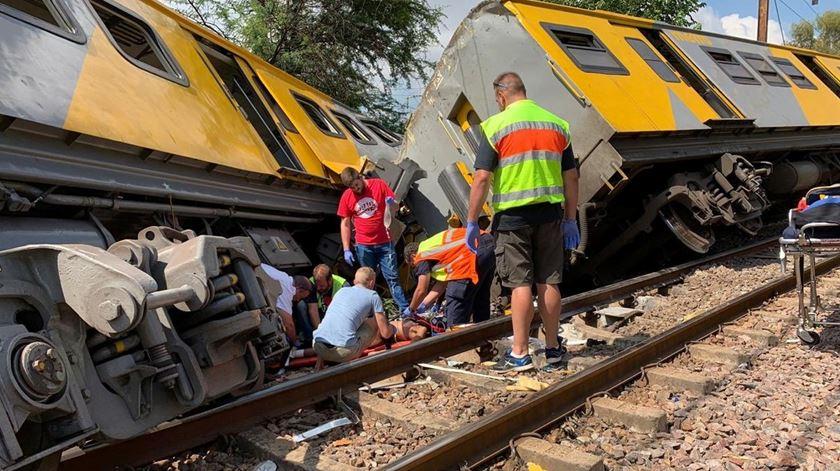 África do Sul. Choque entre comboios faz mais de 200 feridos
