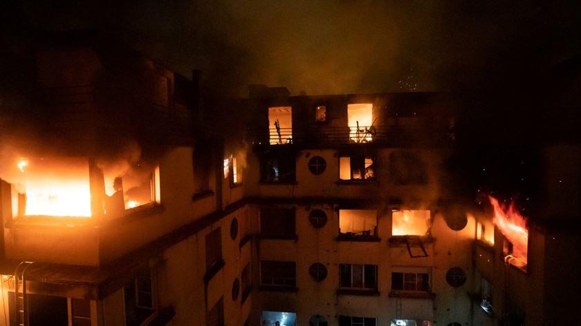 Paris. Incêndio em prédio residencial faz vários mortos