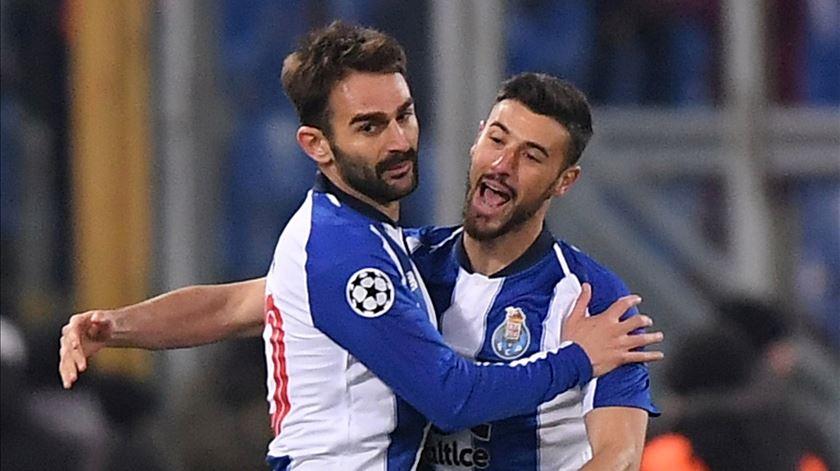 Adrián López marcou golo do FC Porto no Olímpico de Roma. Foto: Alberto Lingria/Reuters