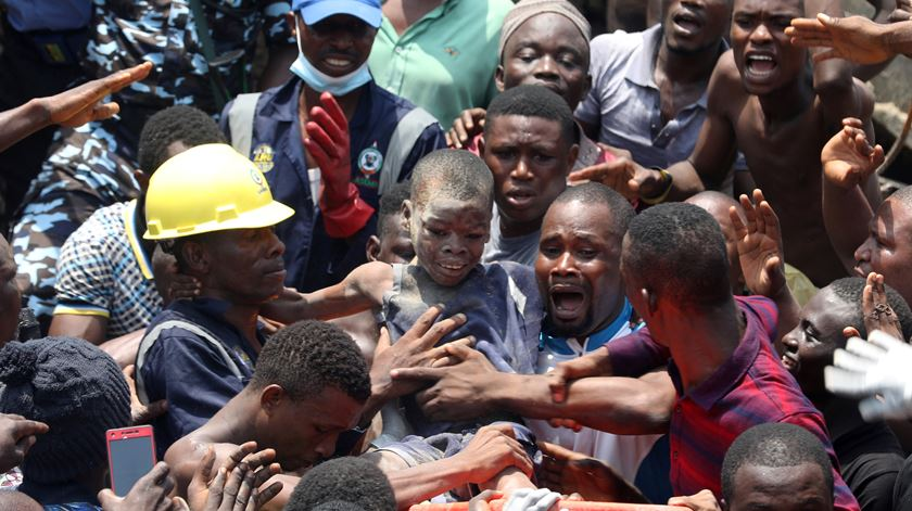 Nigéria. Vários mortos em derrocada de edifício onde funcionava escola