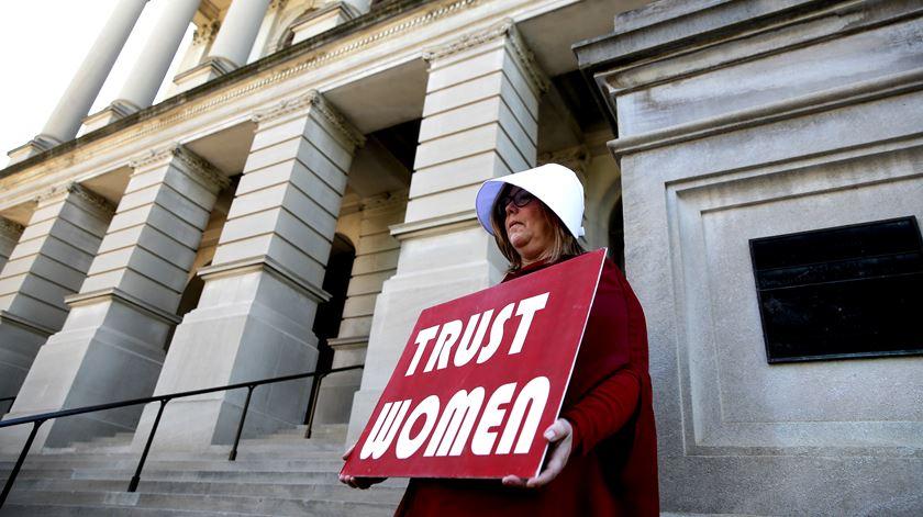 Estado do Alabama executa assassino um dia depois de aprovar a lei anti-aborto mais restritiva dos EUA
