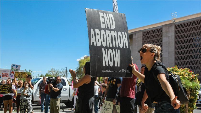 O aborto não defende ninguém, só destrói