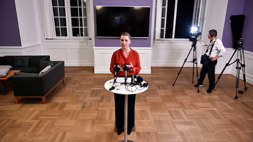 Mette Frederiksen torna-se a mais jovem chefe de Governo da história da Dinamarca