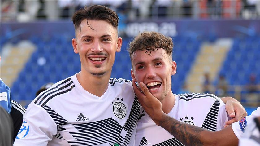 Benfica avança negociações por Koch e Waldschmidt