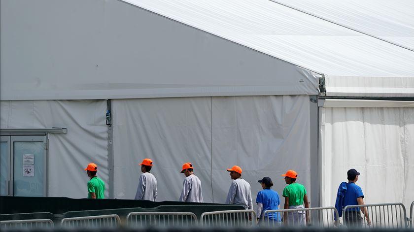 Centro de dentenção de jovens e crianças migrantes. Foto: Carlos Allegri/Reuters
