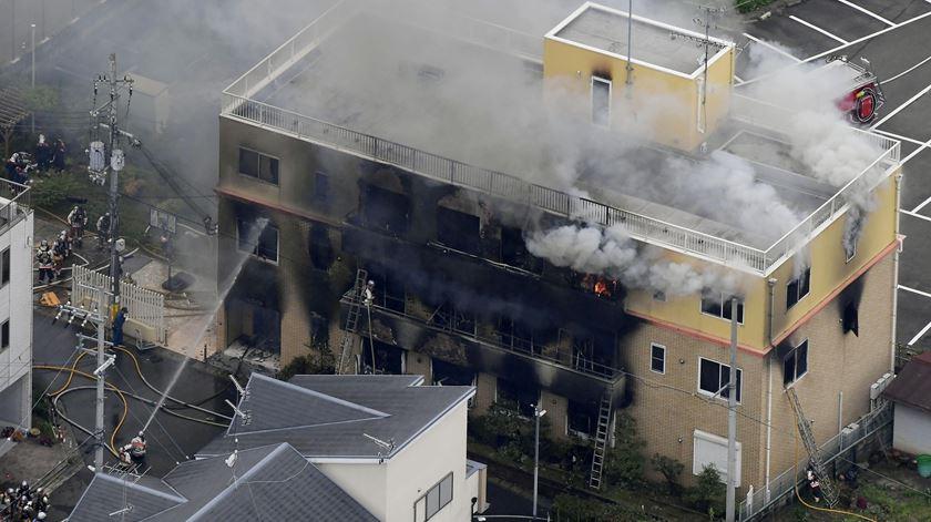 Pelo menos 33 mortos em ataque a estúdio de animação japonês