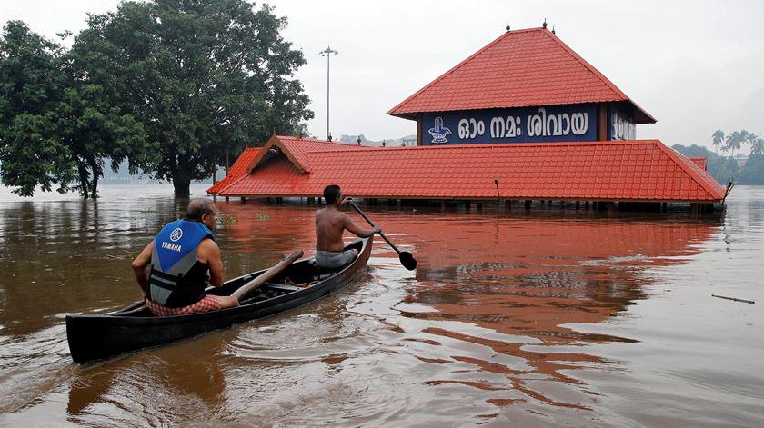 Monções na Índia já provocaram 184 mortos e um milhão de deslocados