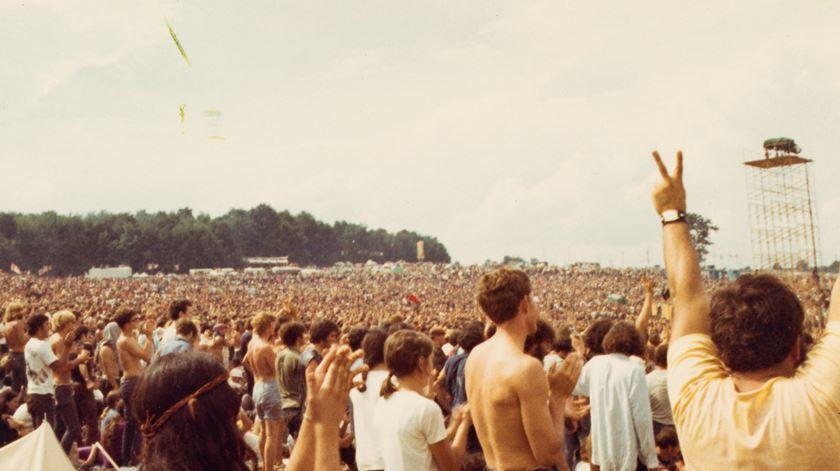 """""""Foi paz, foi amor, foi união total"""". As memórias do Festival Woodstock."""