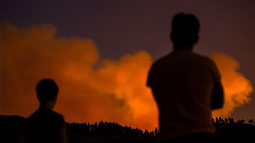 """Incêndio na Grã Canária. """"Não está contido, nem controlado, nem estabilizado"""""""