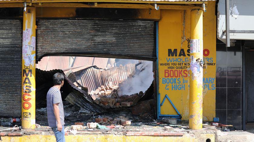 África do Sul. Negócios de estrangeiros alvo de violência xenófoba