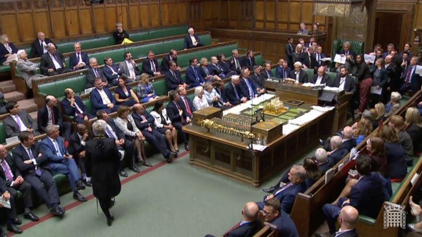 Brexit. Parlamento britânico chumba calendário para legislar acordo e sair a 31 de outubro