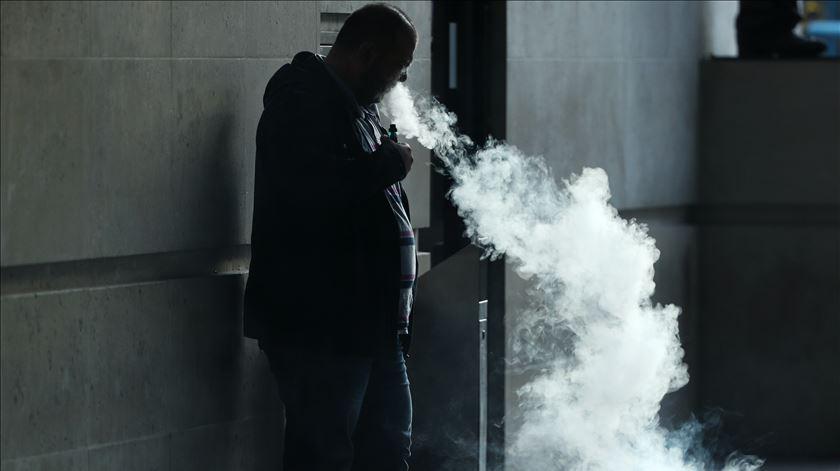 Cigarros eletrónicos definitivamente são perigosos, alerta OMS