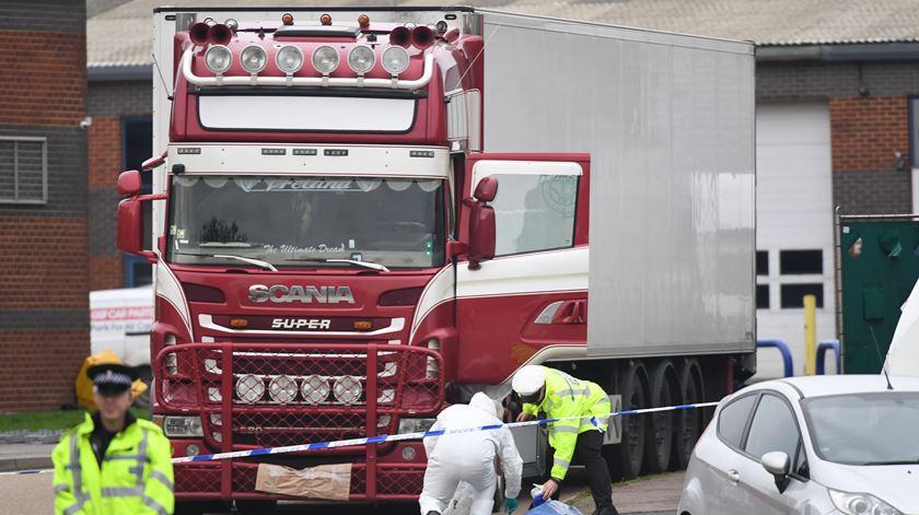 Sete acusados no Vietname pela morte de 39 pessoas num camião no Reino Unido