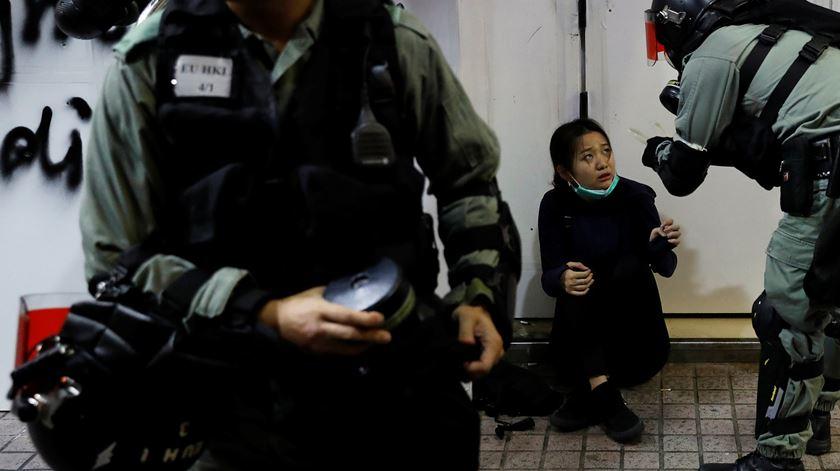 """""""Cinco exigências, nem uma a menos"""". Há cinco meses que manifestantes em Hong Kong saem à rua"""