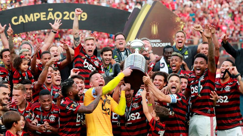 Só dá Flamengo na equipa ideal da Libertadores para os adeptos