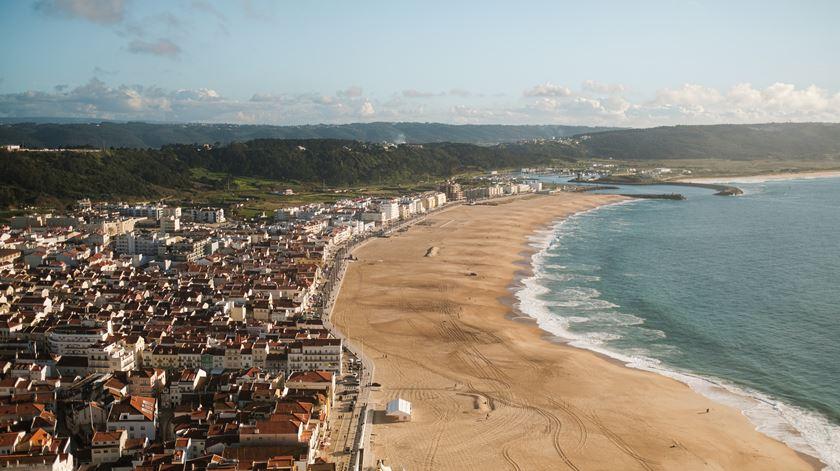 Praia da Nazaré interdita a banhos por contaminação das águas
