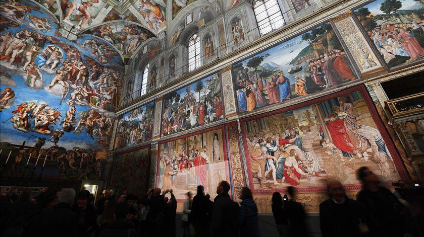 Tapeçarias de Rafael voltam à Capela Sistina após 500 anos