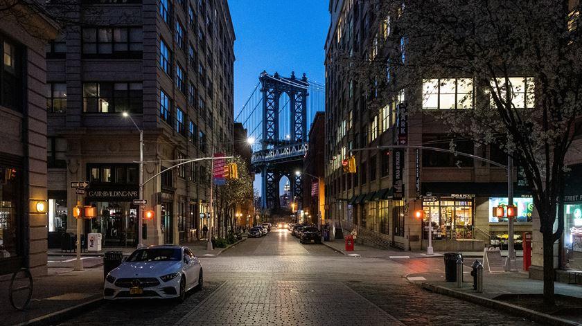 """Nova Iorque, a """"cidade que nunca dorme"""", está deserta"""