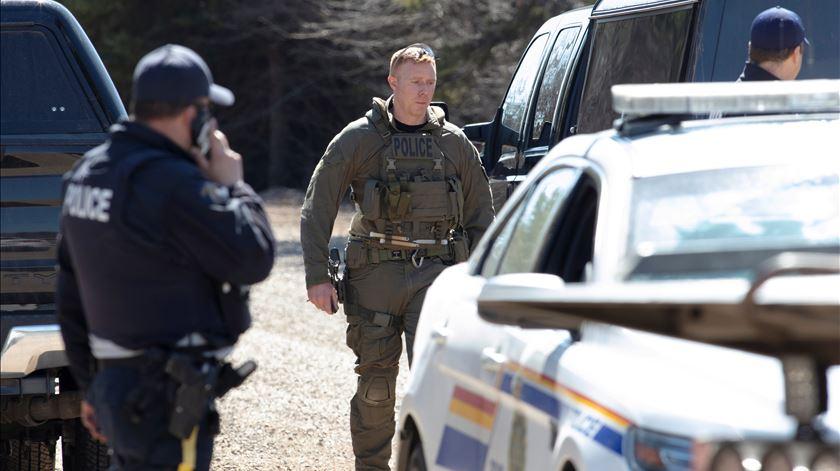 """Tiroteio no Canadá faz pelo menos 12 mortos. Trudeau lamenta """"situação terrível"""""""