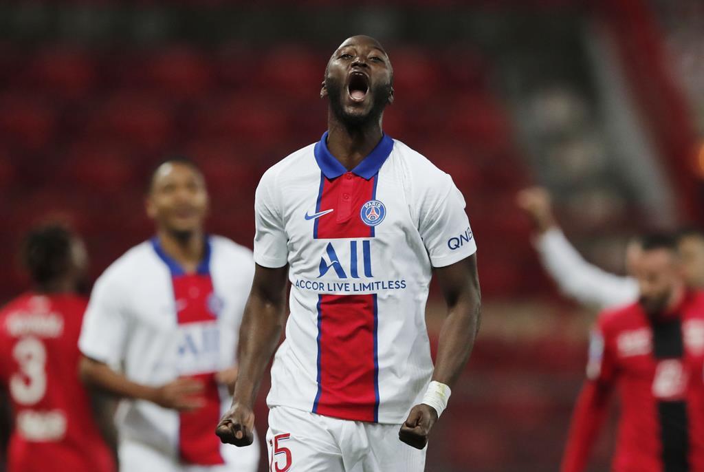 Danilo foi cedido ao PSG. Os franceses têm de pagar 16 milhões de euros para ficar, em definitivo, com o internacional português Foto: Benoit Tessier/Reuters