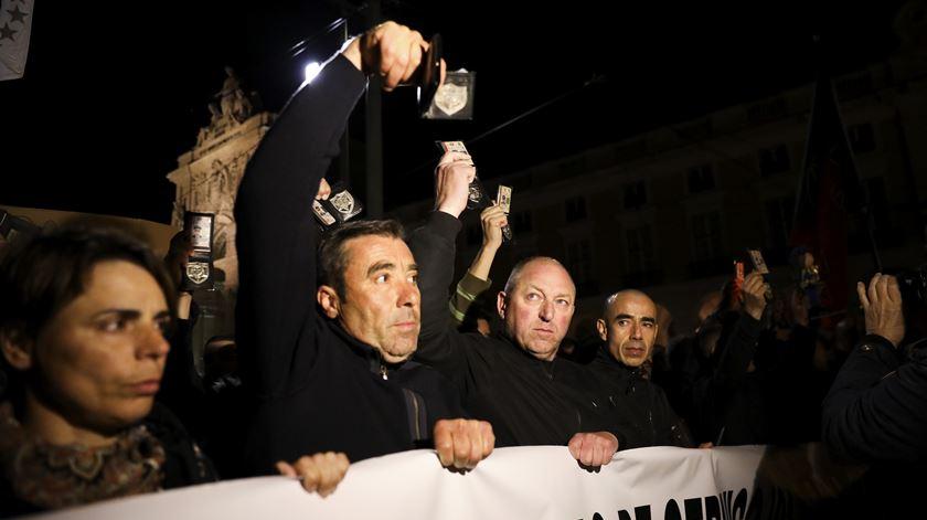Muitos agentes mostraram-se descontentes com as fortes medidas de segurança que encontraram no final da marcha.
