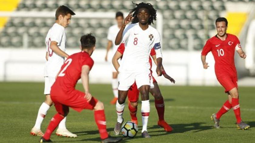 Sub-19. Portugal ganha à Turquia e decide qualificação com a Escócia