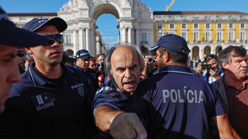 Lisboa. Confrontos durante manifestação contra incêndios