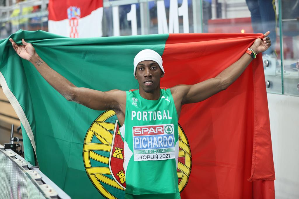 Pedro Pablo Pichardo conquista segunda medalha para Portugal nos Europeus que decorrem na Polónia. Foto: Leszek Szymanski/EPA