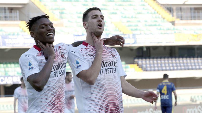 Milan ganha com golo de Dalot