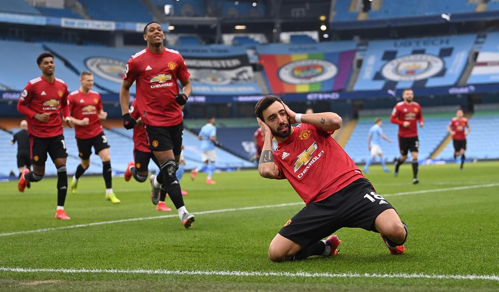 Bruno Fernandes marca pelo Manchester United ao Manchester City. Foto: Laurence Griffiths/EPA