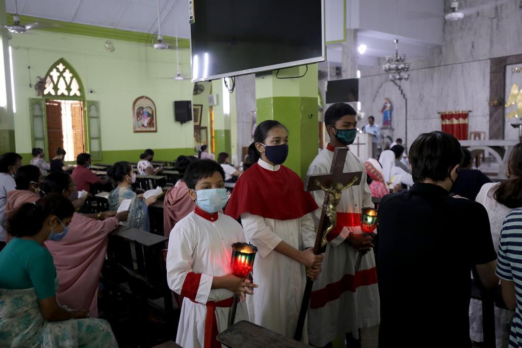 Cristãos celebram a Sexta-Feira Santa na Índia. Foto: Piyal Adhikary/EPA