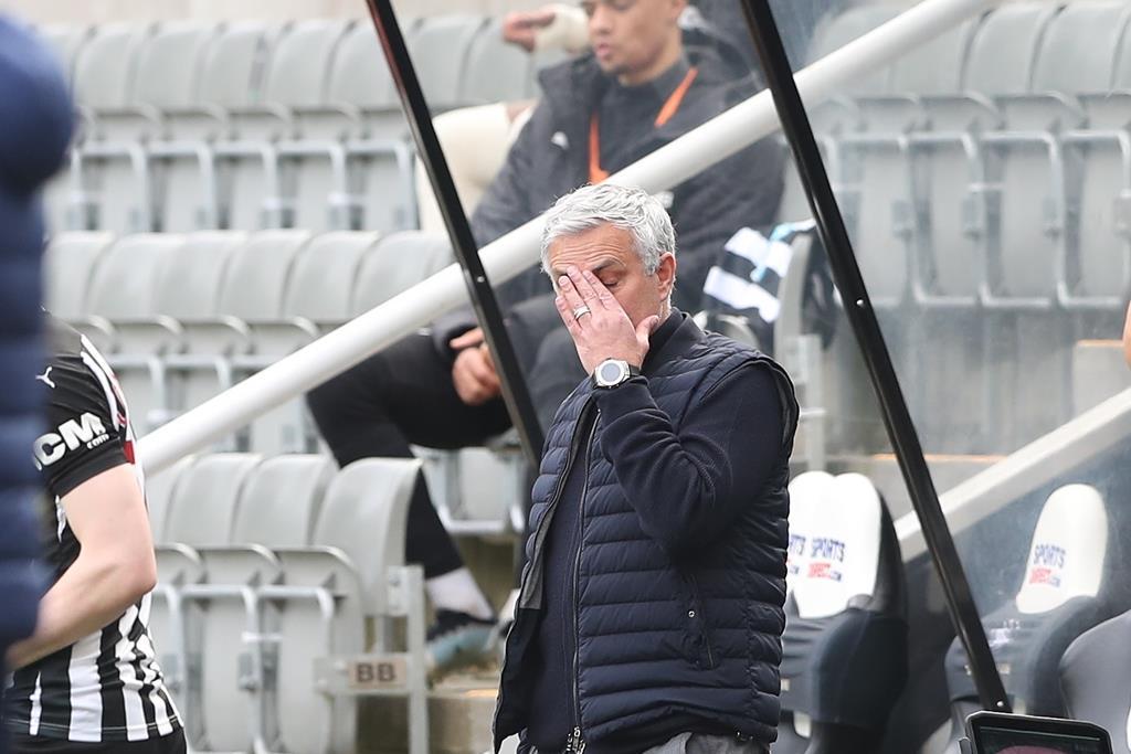 Mourinho está a cumprir a segunda temporada no Tottenham Foto: Scott Heppell/EPA